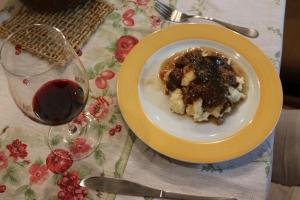 Polenta com carne de panela